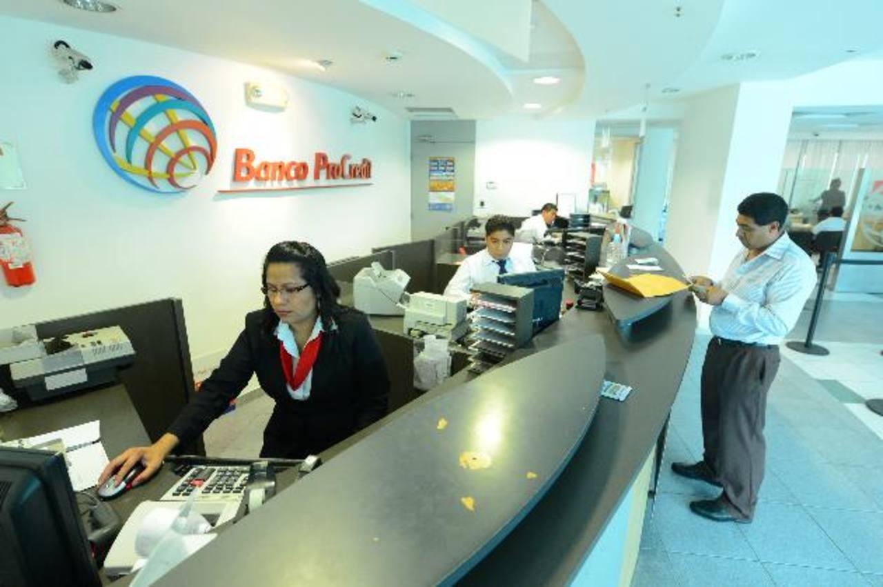 Banco ProCredit se ha especializado en la pequeña y mediana empresa. foto edh /archivo
