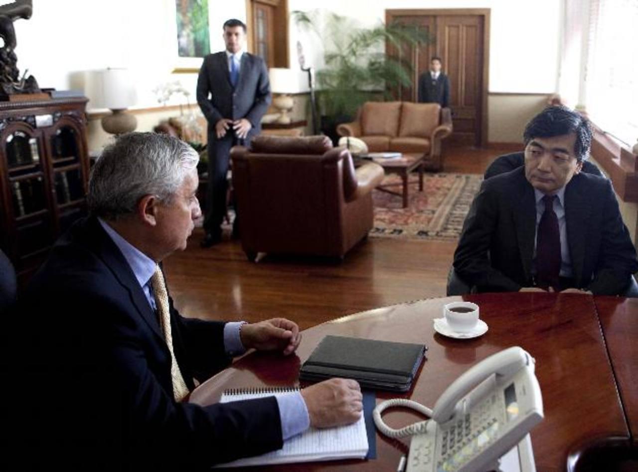 Naoyuki Shinohara encabezó una misión del FMI que se reunió con el presidente Otto Pérez Molina. foto EDH /efe