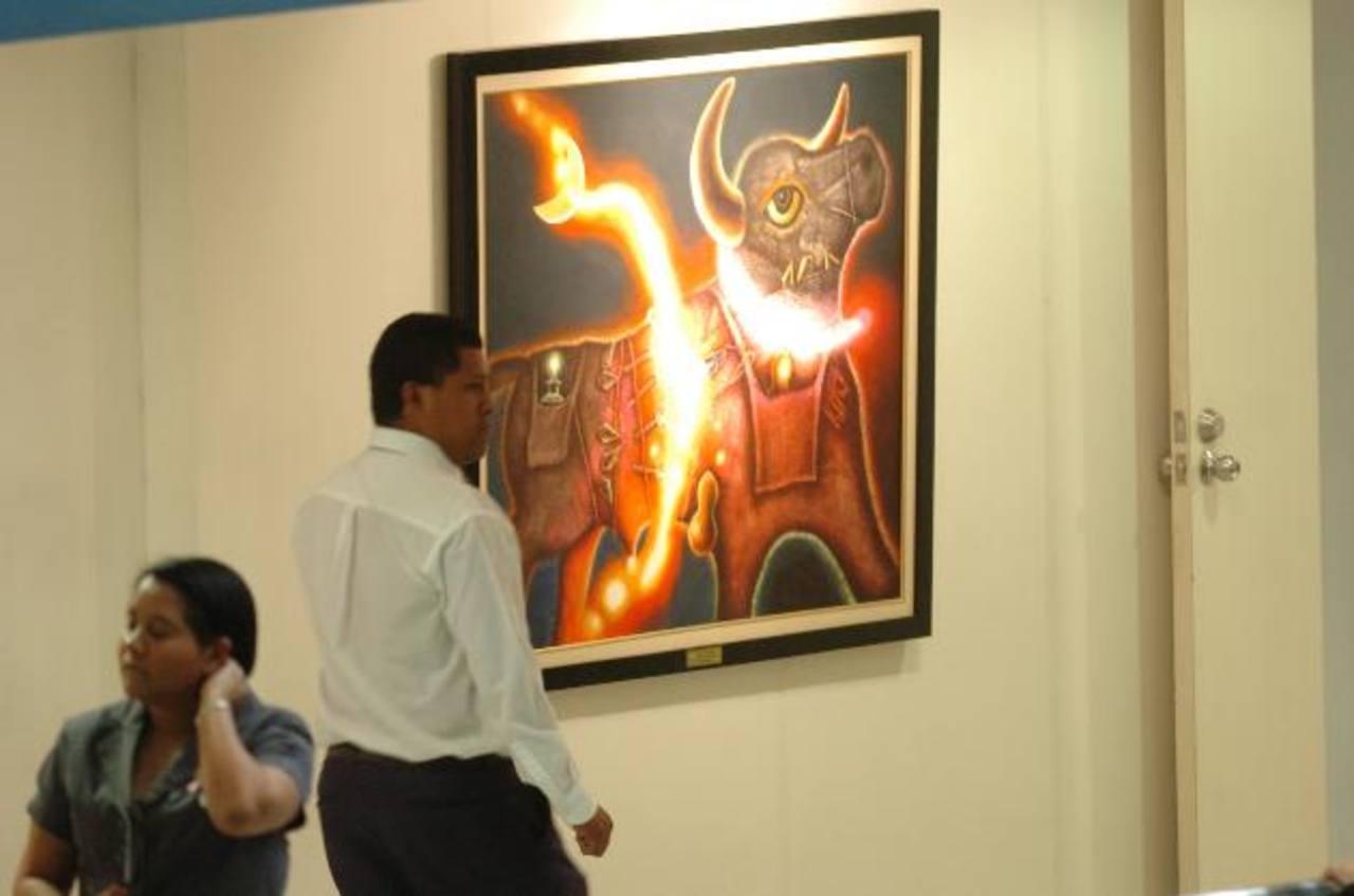 La pintura de la imagen es una de las que se observan en exhibición dentro del Palacio Legislativo. foto edh / jorge reyes