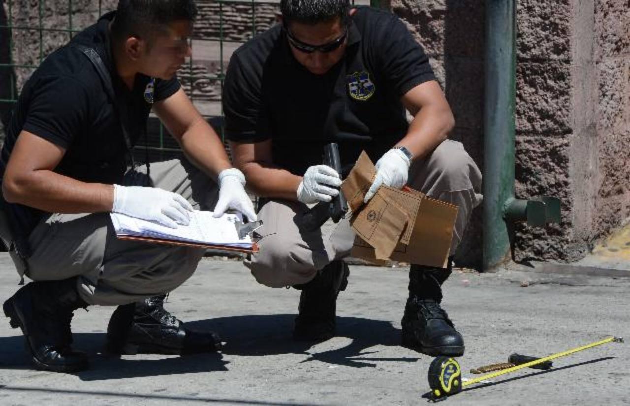 Las cifras de la Policía registran los asesinatos de 425 personas entre el 1 de enero y el 6 de marzo, lo cual significa una reducción de casi el 50 por ciento. Foto EDH / Maritza Santos