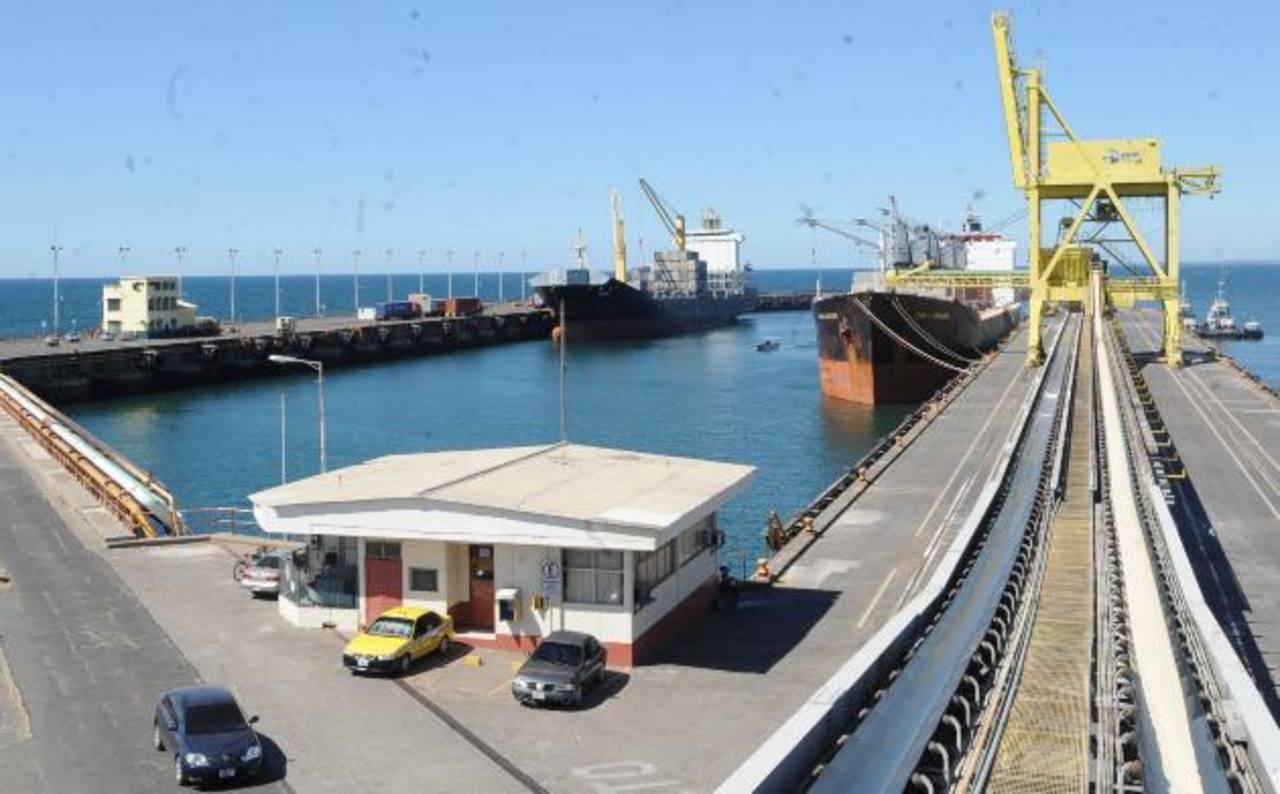 Actualmente los costos logísticos condicionan el nivel de exportaciones. Foto EDH/ archivo