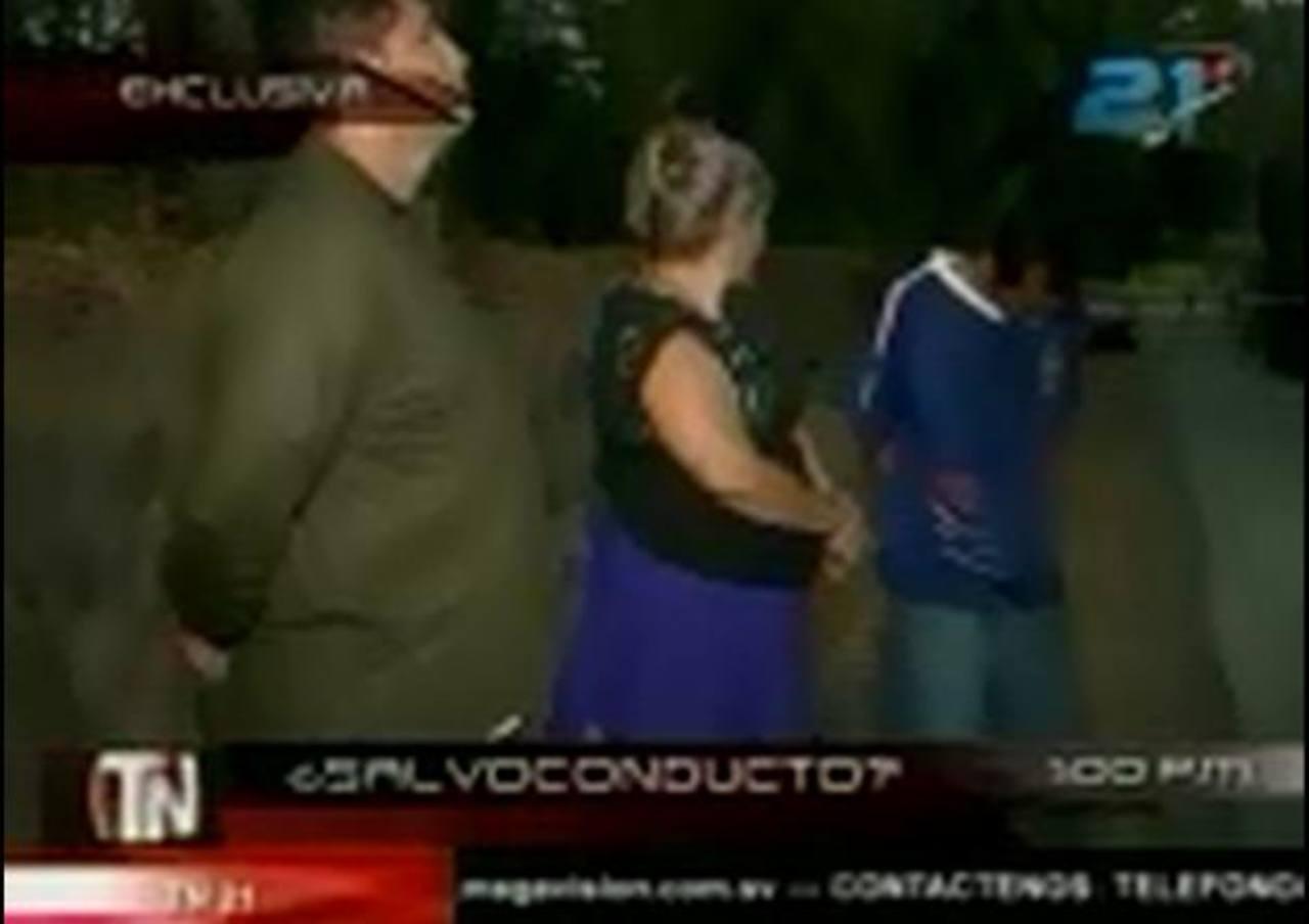 Mareros capturados el jueves en el Puerto de La Libertad serán acusado de tráfico ilícito de drogas. Foto EDH / Canal 21.