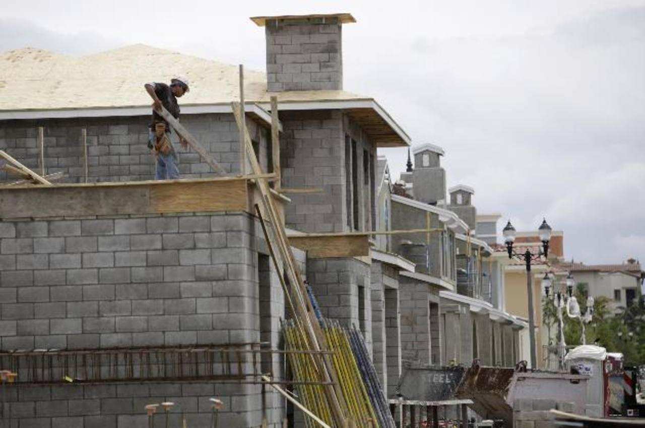 En muchas ciudades latinoamericanas hay déficit habitacional y de construcción. Foto EDH
