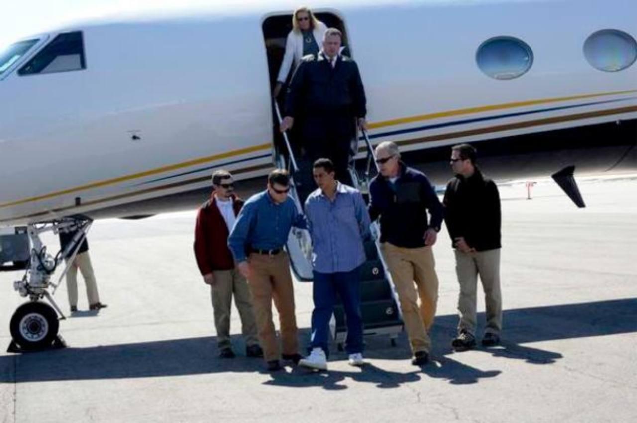 Edwin Ernesto Rivera Gracias, fugitivo salvadoreño, a su llegada a Colorado, donde será enjuiciado por un asesinato. Según el FBI, se entregó voluntariamente ayer. Foto EDH / Tomada del Denver Post