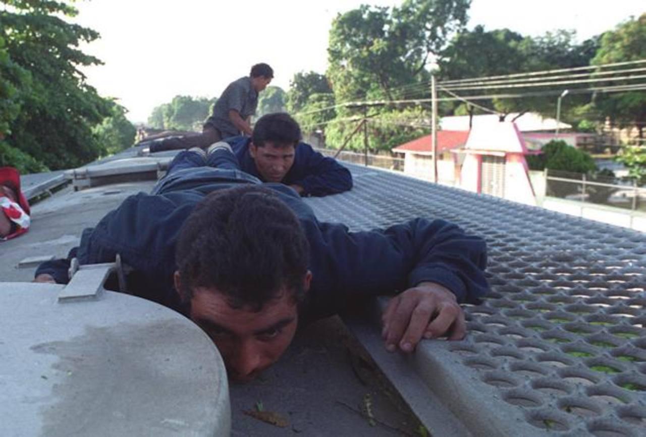 Los centroamericanos viajan indocumentados hacia los EE.UU. FOTO EDH Archivo.
