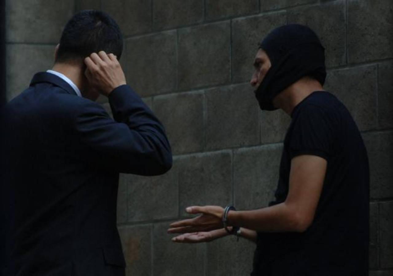 El agente César García Hernández es acusado de colaborar con pandilleros de Las Palmas y El Manguito.