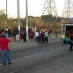 Al menos 11 personas, entre ellas dos niñas, resultaron lesionadas en el accidente vial. Foto vía Twitter Diana Escalante
