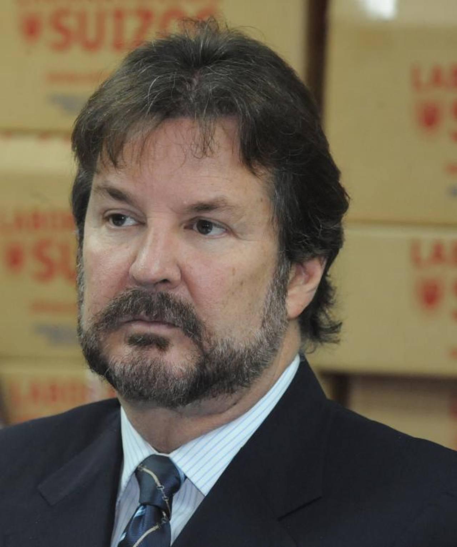 El presidente de Cámara de Comercio, Luis Cardenal, dijo que también urgen los asocios público privados. EDH / archivo