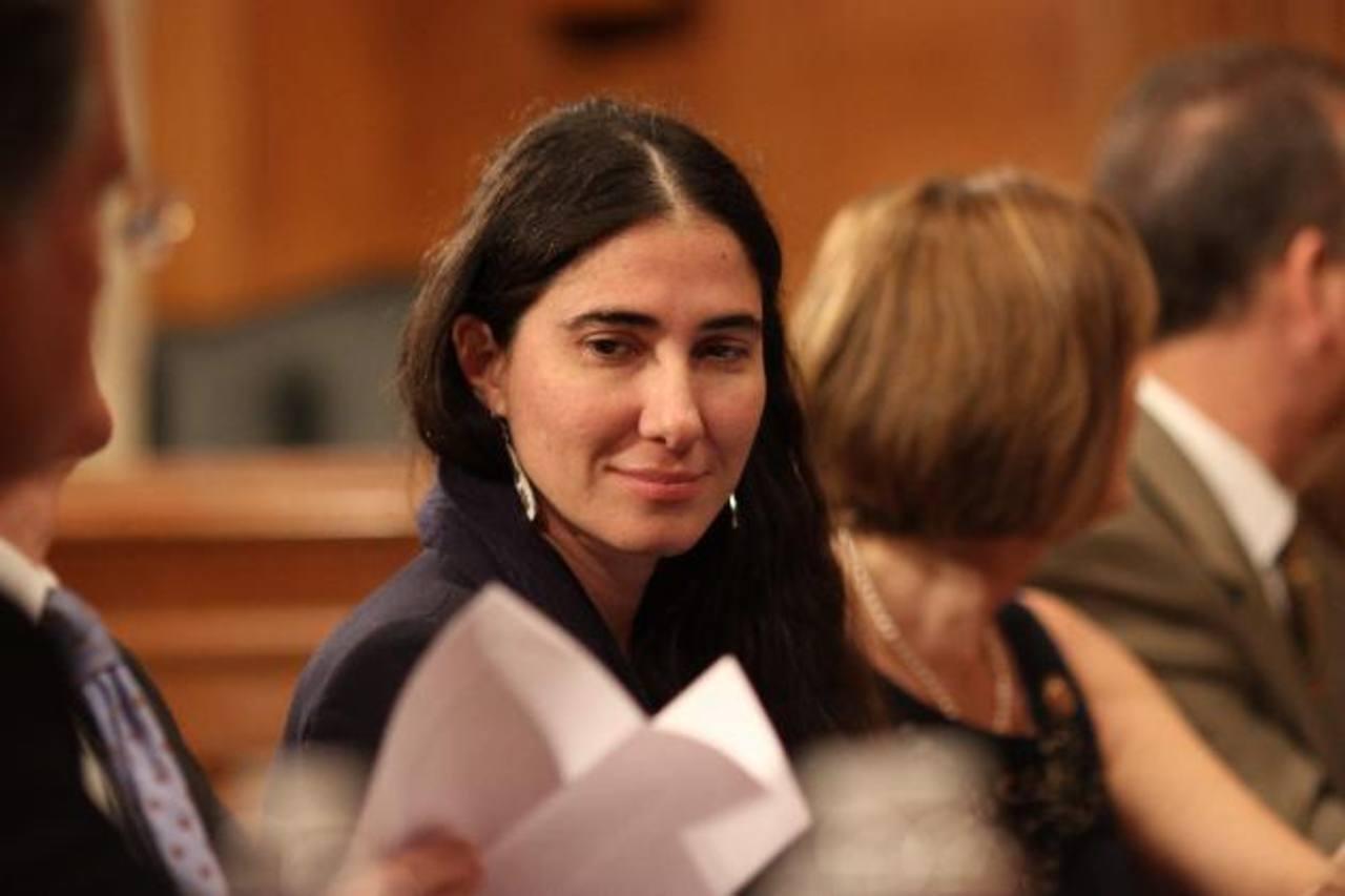 La bloguera cubana Yoani Sánchez durante su reunión, el 19 de marzo, con legisladores de EE.UU. foto edh / reuters