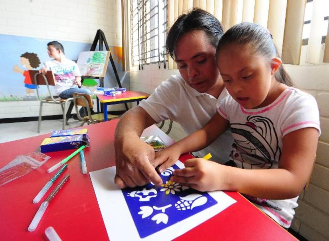 El avance de estos niños depende de la estimulación que se les dé. A menor edad mejores resultados. Foto EDH