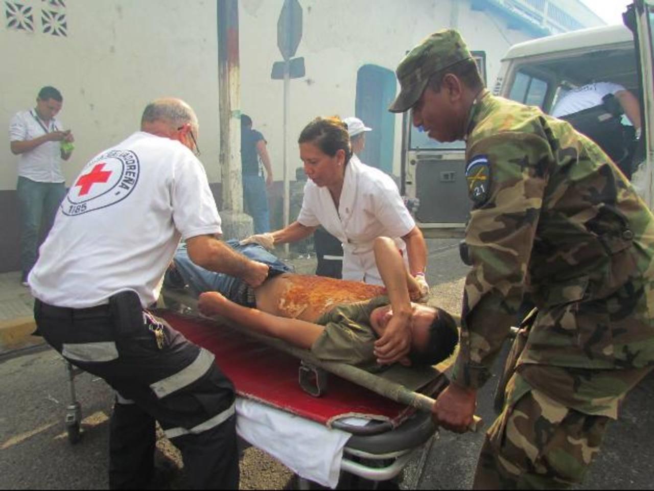 Diferentes instituciones se unieron para el desarrollo de esta actividad que les permite medir su capacidad de respuesta en desastres. foto edh / mauricio guevara