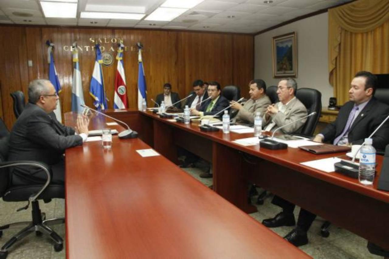 La Subcomisión terminó la fase de entrevistas a los aspirantes. En la imagen, Gregorio Sánchez Trejo, quien busca su reelección. Foto Asamblea Legislativa