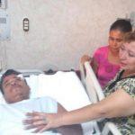 Jorge Alberto González ingresó ayer por la tarde al Hospital de Diagnótico. Lo acompañaron familiares. Foto Mauricio Pineda
