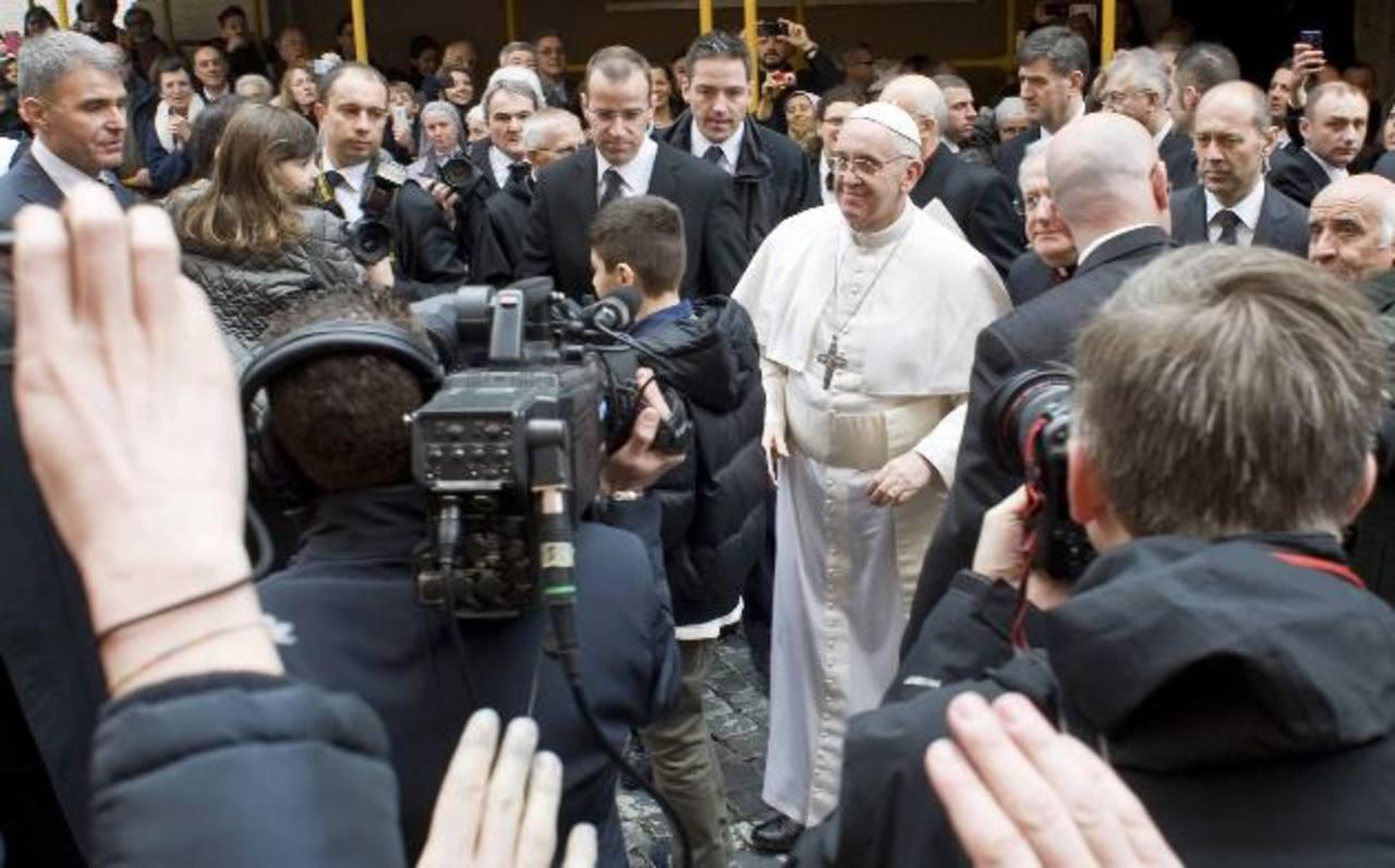 Misa para inaugurar papado combina religión y política