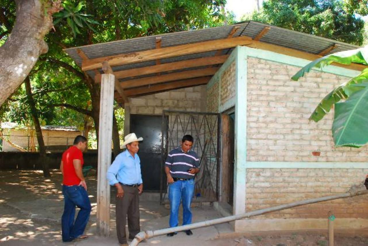 En el pozo de captación de agua, según vecinos, es donde se origina la contaminación. foto edh / Insy Mendoza