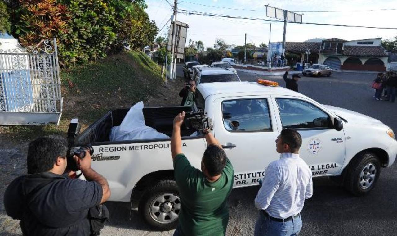 Un policía es acusado de ser cómplice del asesinato de un reo en las celdas de la PNC en Los Planes de Renderos.