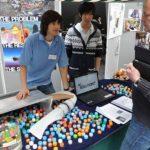 Joven crea dispositivo que podría limpiar el mar de plástico