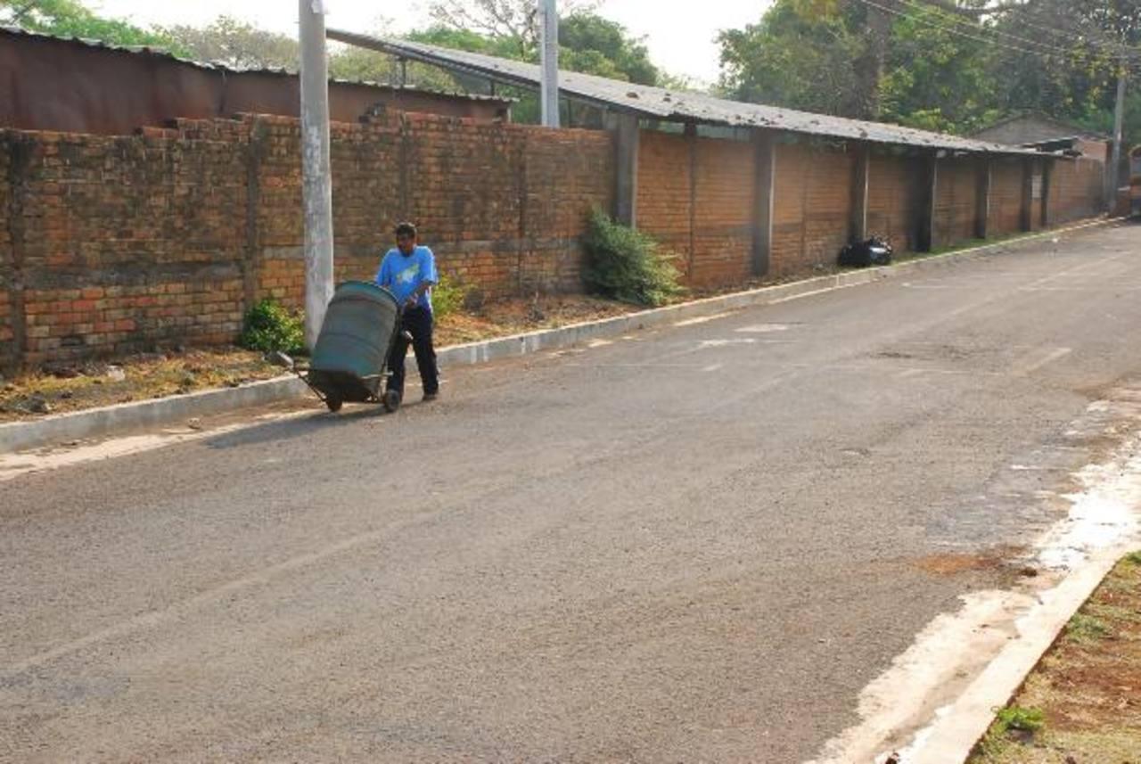 Pese al descontento, muchos aseguran que los servicios que presta la municipalidad son buenos. Foto EDH / insy mendoza