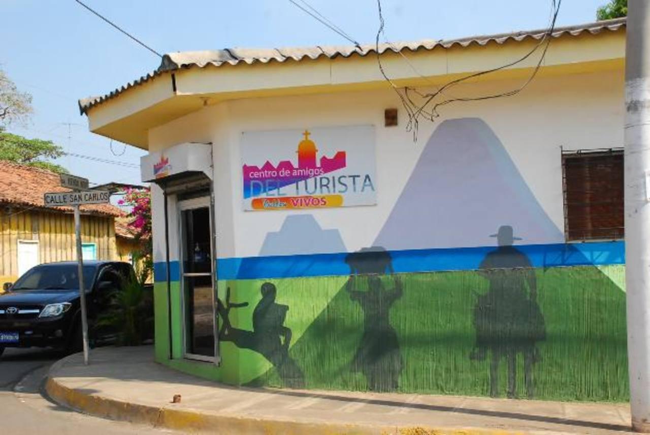 Empresarios de La Unión temen el cierre del Centro de Amigos del Turismo. Pero eso fue negado. Foto EDH / archivo