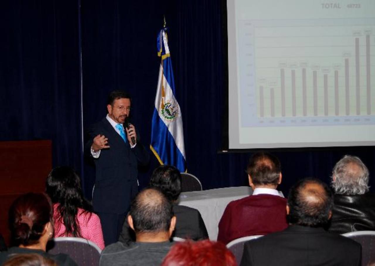 El ministro de Seguridad, David Munguía Payés, durante la ponencia en Estados Unidos. Foto EDH / Tomas Guevara