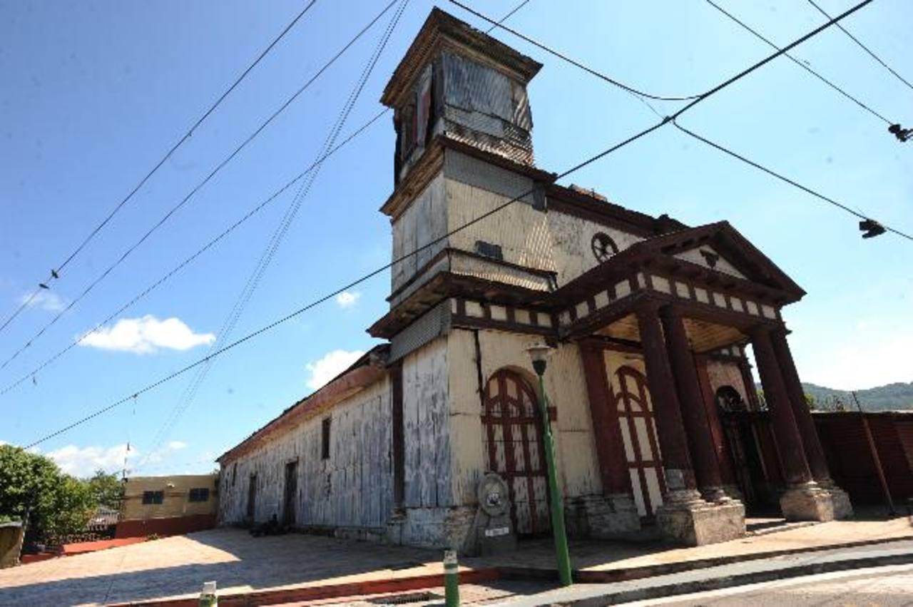 El templo de San Sebastián tenía más de 100 años de existencia. El pasado 7 de enero se incendió. foto edh / ARCHIVO