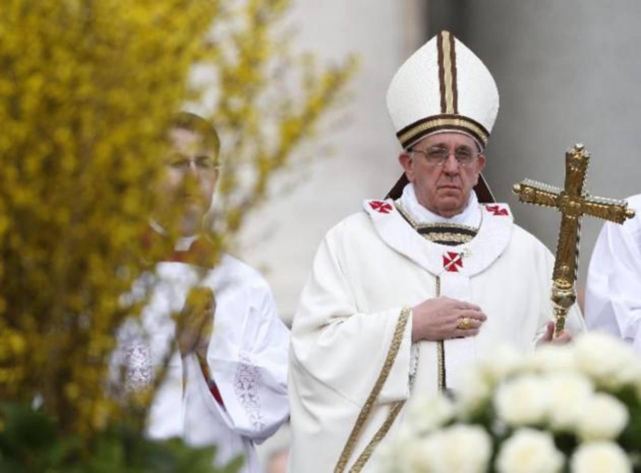 Papa pide paz en el mundo en el Domingo de Pascua