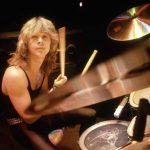 Fallece Clive Burr, exbaterista de Iron Maiden