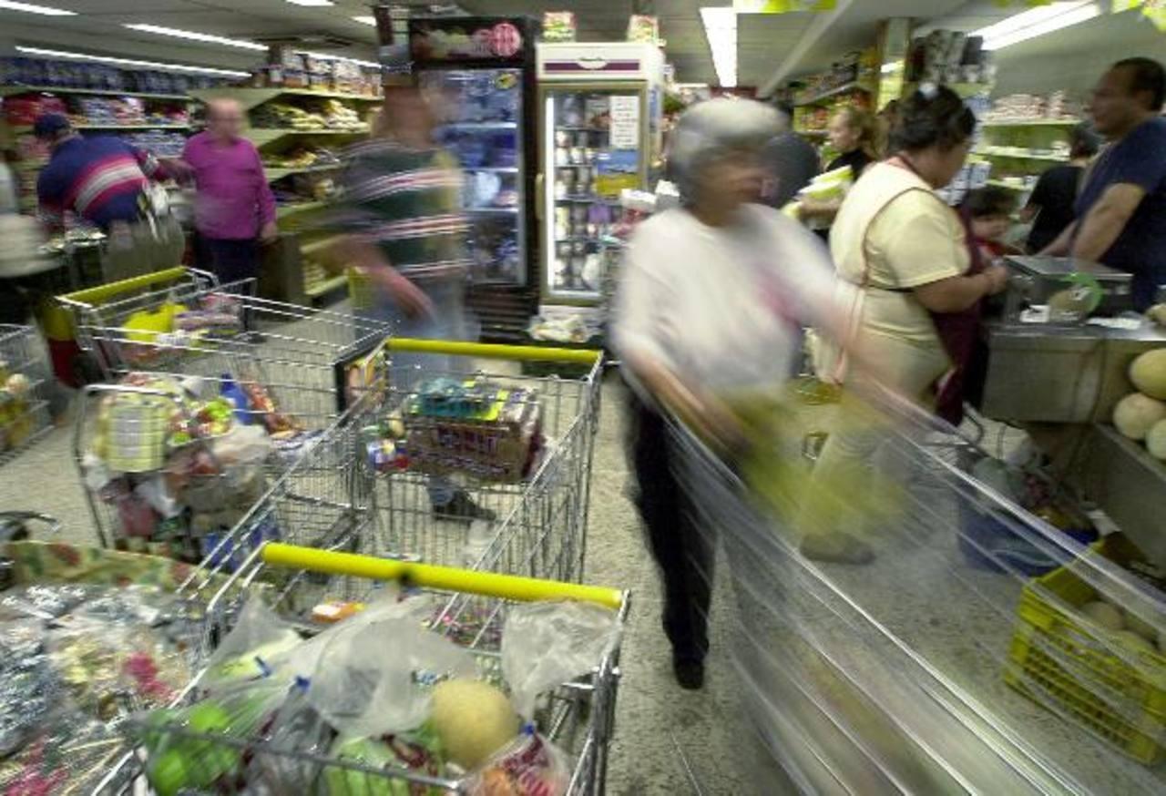 Una alta inflación caracteriza a Venezuela, donde escasean muchos bienes. foto edh / archivo