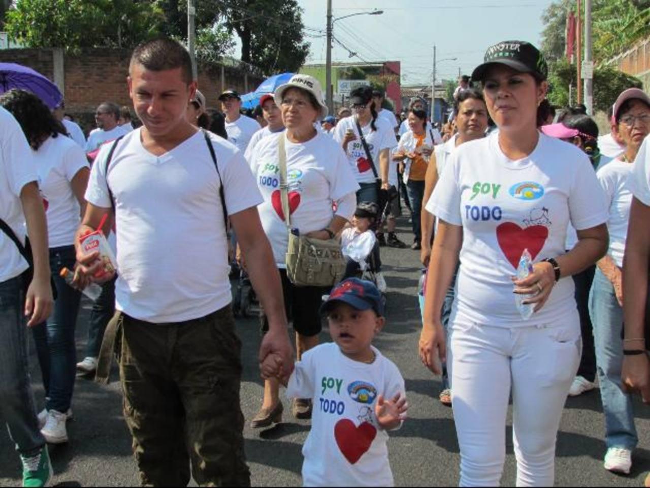 La actividad fue apoyada por padres de familia e instituciones no gubernamentales. Foto EDH / Mauricio Guevara