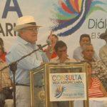 Salvador Sánchez Cerén se dirige a los agricultores del Valle de Zapotitán, en La Libertad. foto edh / Jorge reyes