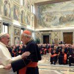 Vaticano denuncia campaña contra el Papa