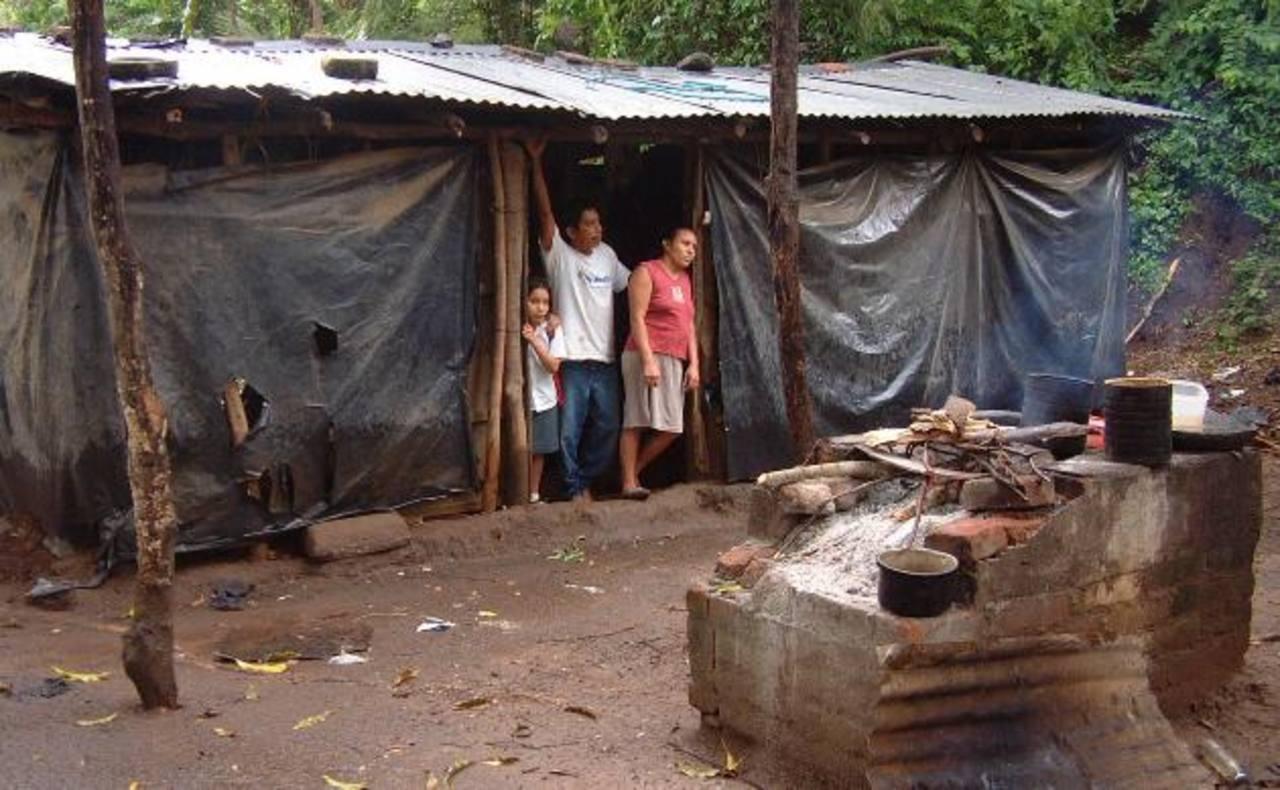 Los datos indican que hay más familias pobres que en 2006. foto edh / archivo
