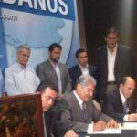La fórmula presidencial de ARENA y Miguel Simán firman el acuerdo del Plan País. Foto vía Twitter Edmee Velásquez