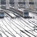 FRANCIA. La estación de trenes Gare Saint Lazare en París luce cubierta de nieve, lo que les impidió la salida hacia varias ciudades europeas. foto edh / reuters