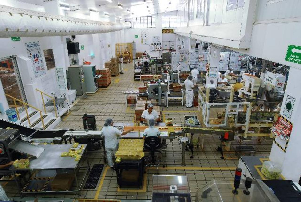 En la planta de margarinas, Unilever ha invertido 2.5 millones de dólares en los últimos años, para elevar capacidad. Fotos EDH / marlon hernández