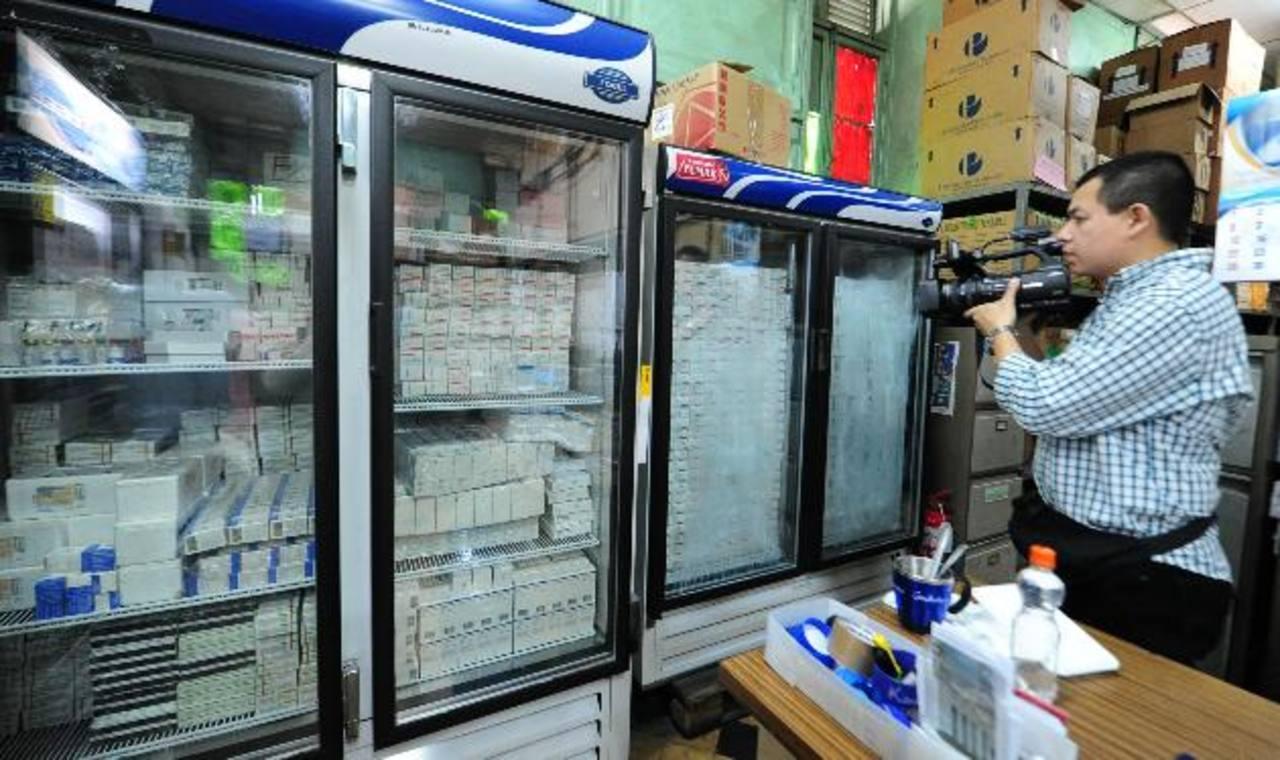 El 3 de abril las farmacias tienen que haber ajustado el nuevo precio publicado por la DNM. Foto EDH / archivo