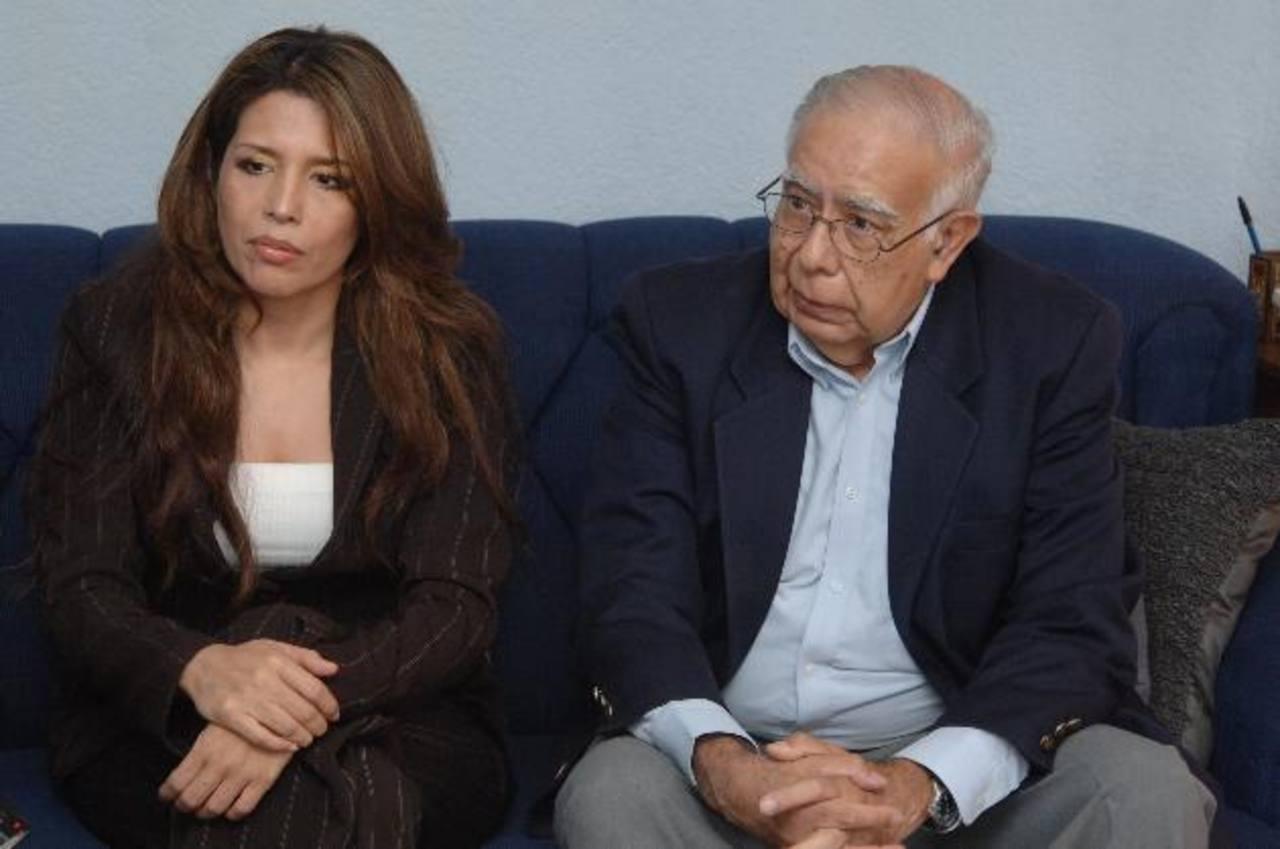 Los doctores Merino y Arévalo son parte de la organizadores del congreso. foto edh / Miguel V.