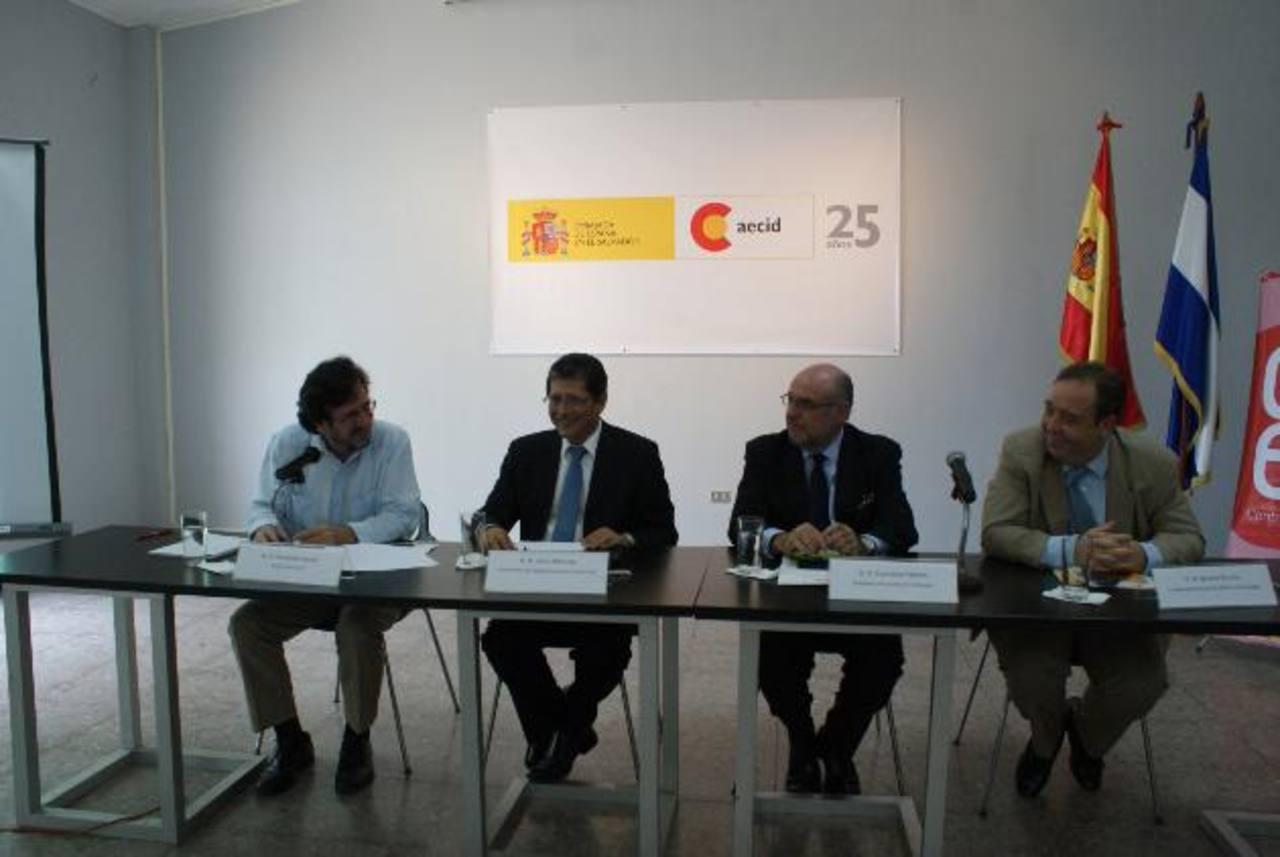 La Cooperación Española presentó su plan de trabajo 2013, donde destacan proyectos de formación de capital humano. Foto edh / cortesía AECID