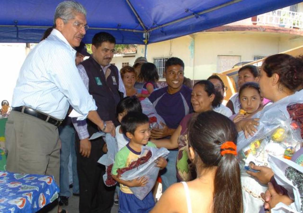 Familias de la comunidad San Judas del Distrito 6 recibieron artículos de primera necesidad. FOTO edh / leonardo González
