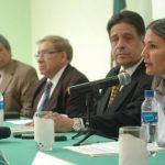 Los académicos (izq. a der.) Julio Martínez, Pedro Escalante, Raúl López Lira (embajador) y Claudia Cristiani. Foto EDH / Jorge reyes