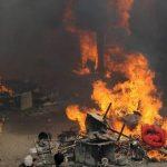 Los enardecidos atacantes quemaron las viviendas. FOTO EDH Agencias.
