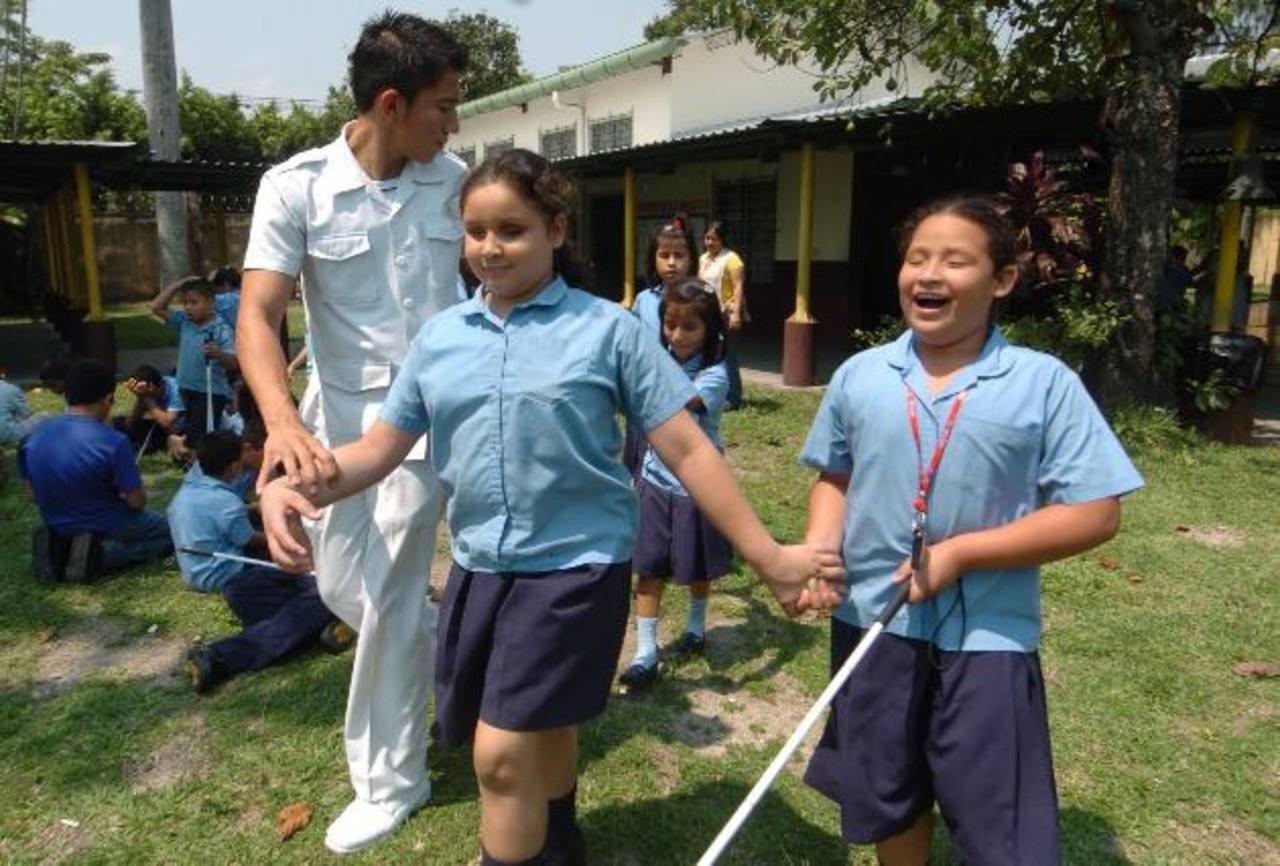 El centro de rehabilitación compartirá más espacio con la Escuela de Ciegos, administrada por el Mined. Foto EDH / Archivo