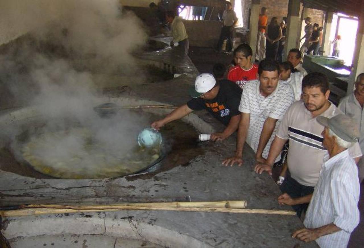 En la actividad se mostrará el proceso de elaboración de la panela. Foto EDH /archivo