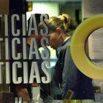 Los empleados de la última cadena de televisión opositora al gobierno que queda en Venezuela, dijeron el 11 de marzo del 2013 que la emisora está siendo vendida a un empresario amigo del gobierno.