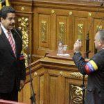 LA juramentación. Nicolás Maduro tomó juramento ayer como presidente interino de Venezuela, durante una ceremonia especial. Le dan la atribución de convocar a las próximas elecciones en las que él participará.