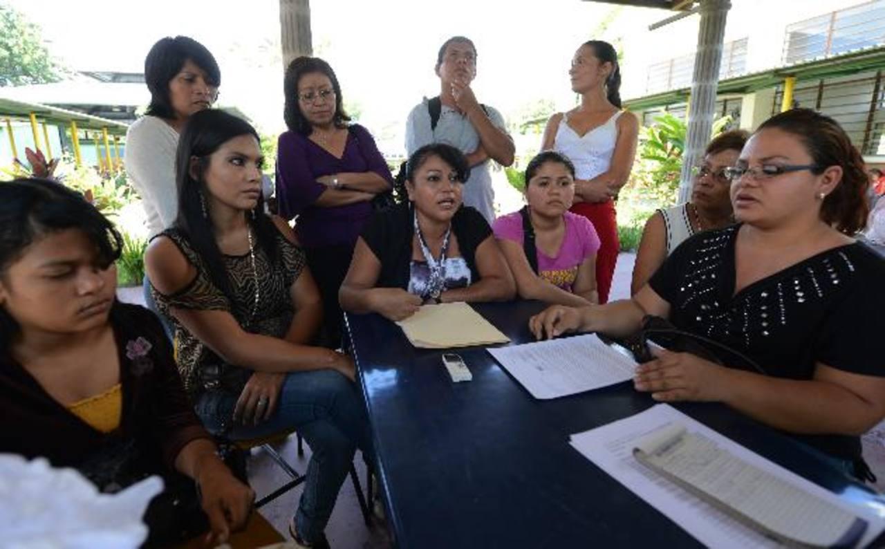 Padres de familia denunciaron los cambios administrativos dentro del centro de rehabilitación. Foto EDH / Jaime Anaya