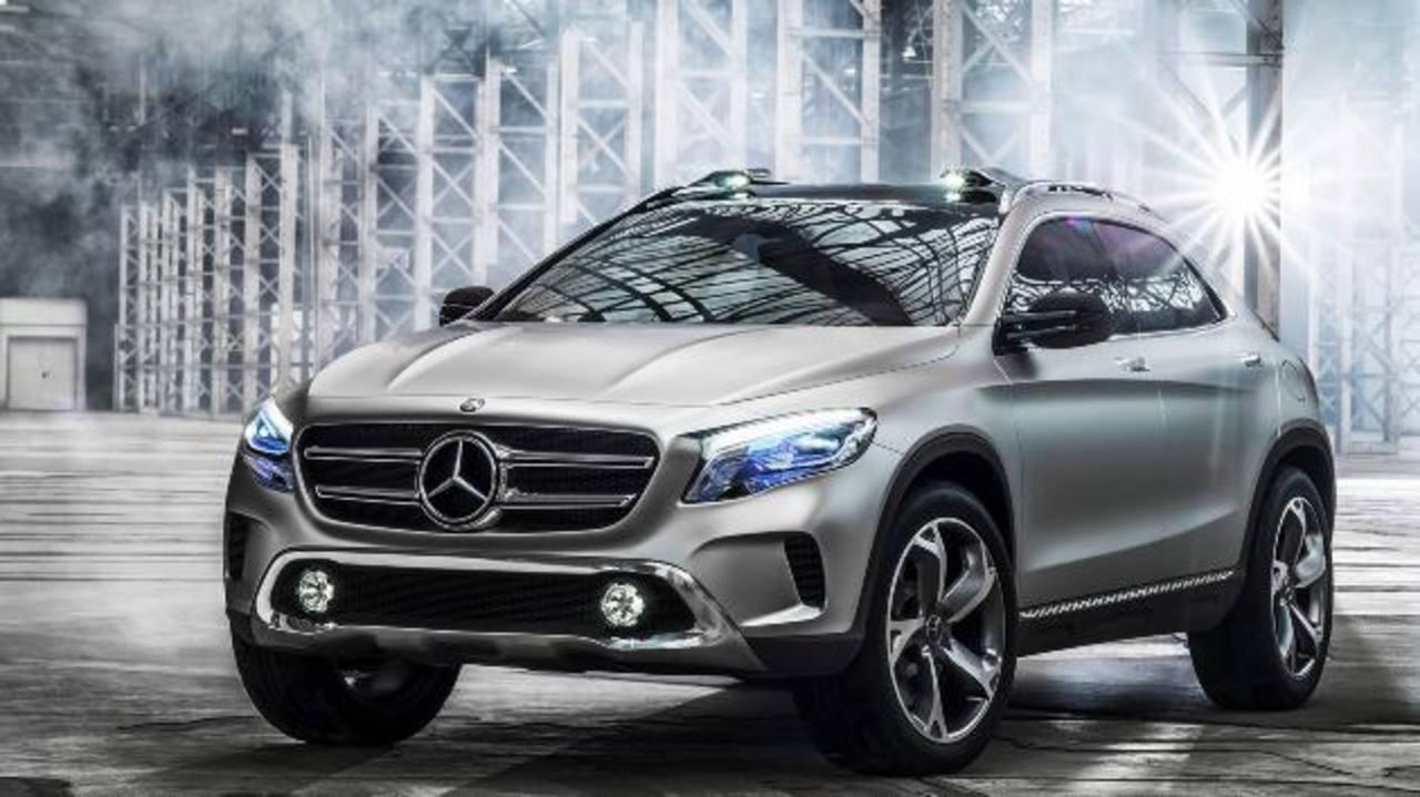 Mercedes Benz Concept GLA Es un utilitario deportivo cuyo diseño compacto se aproxima al de un cupé. Trae un motor turboalimentado de cuatro cilindros y 1,991 cm3.