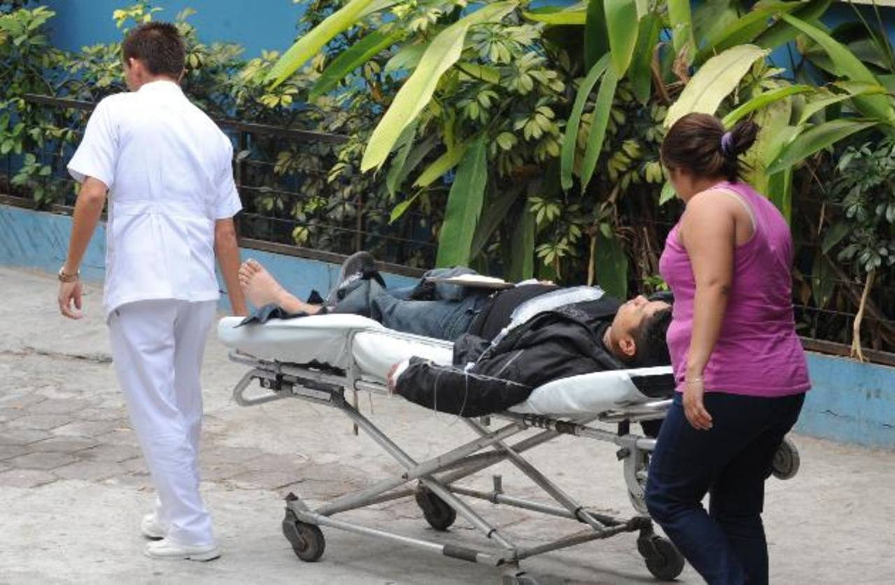 José Gustavo García fue embestido, cuando conducía su moto, por el motorista de un microbús de la ruta 12, en Panchimalco.