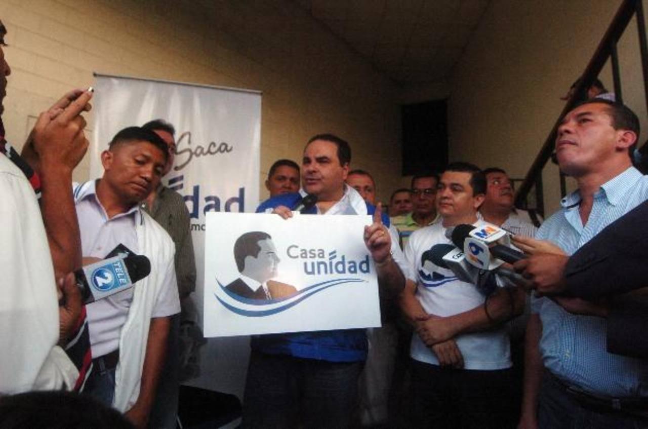El candidato Antonio Saca inauguró ayer otra Casa Unidad en la colonia Montreal, en Mejicanos. foto edh / jorge reyes