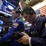 """En las últimas semanas los inversionistas migraron de """"commodities"""" a acciones. foto edh /ap"""